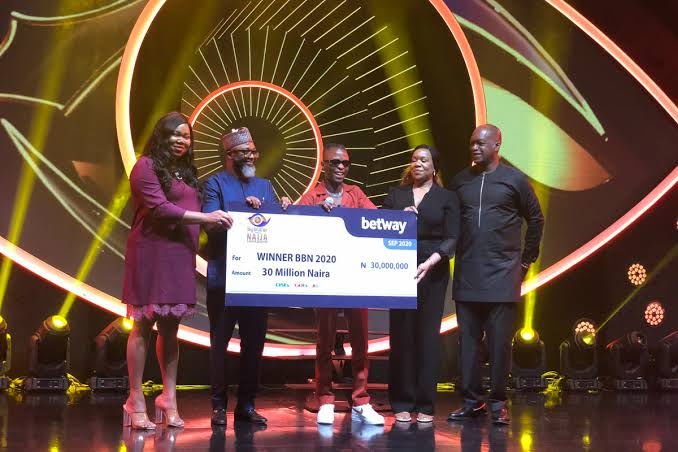 #BBNaija: Laycon Receives 30 Million Naira Cheque