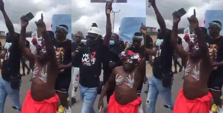 """""""End SWAT and #EndSARS in Jesus name"""" – Native Doctor chants during #EndSWAT protest in Delta (Video)"""