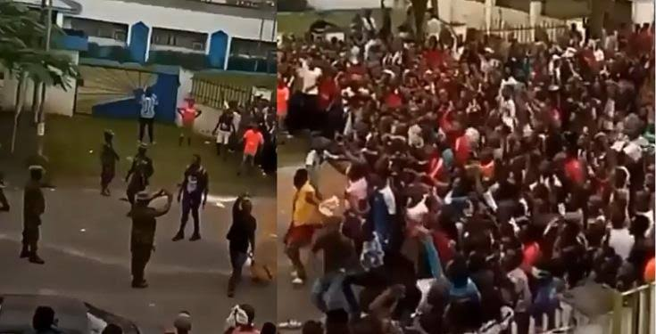 Calabar residents sing National anthem after emptying warehouse of Covid-19 palliatives (Video)